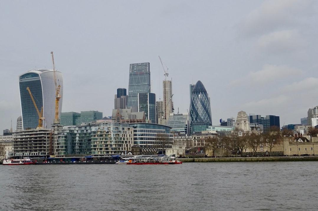 Tamise et Building - Londres