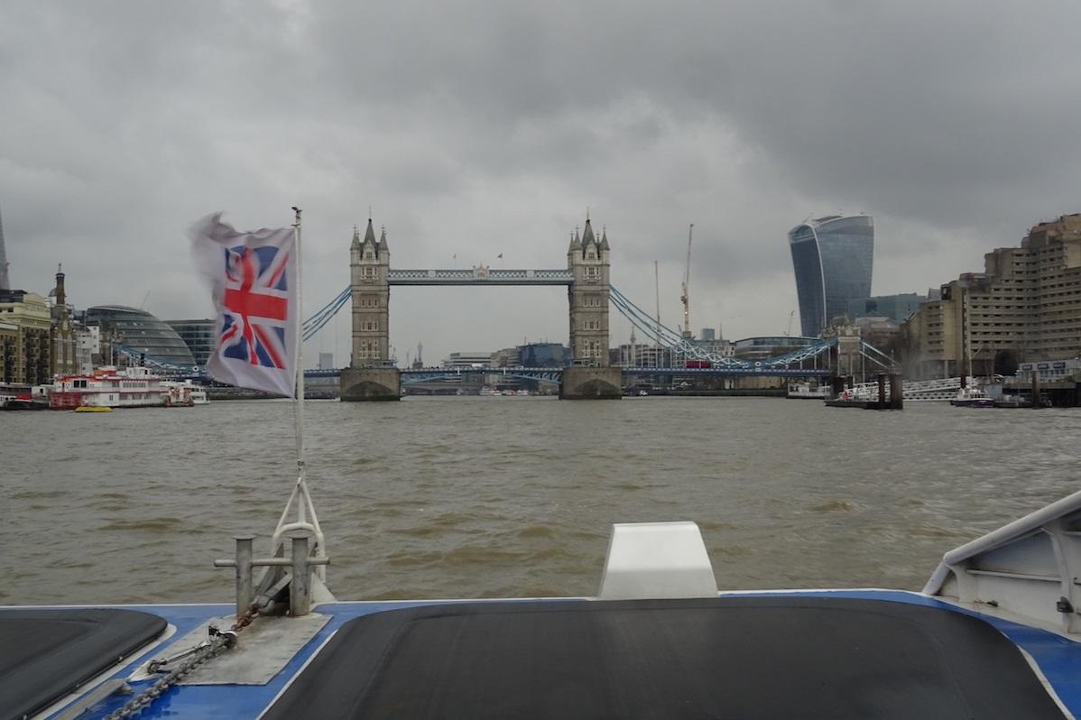 London tower depuis bateau - londres- Londres